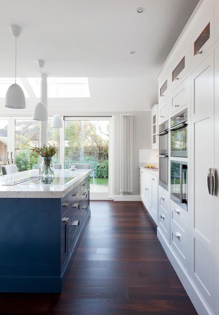 Stepaside classique chic cuisine dublin par for Architecture cuisine et bains