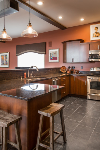 Sterling, IL | Kitchen, Home Office & Window Treatment