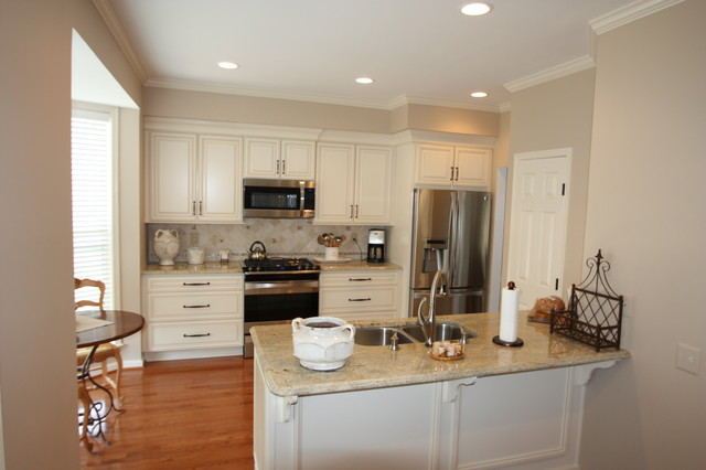 Sterling Kitchen traditional-kitchen