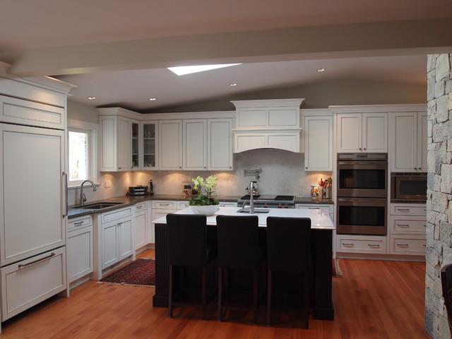 Stevens Drive Renovation traditional-kitchen