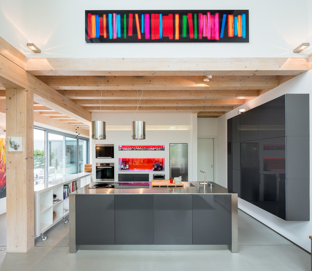 Stommel haus troisdorf contemporary timber house for Haus kitchens