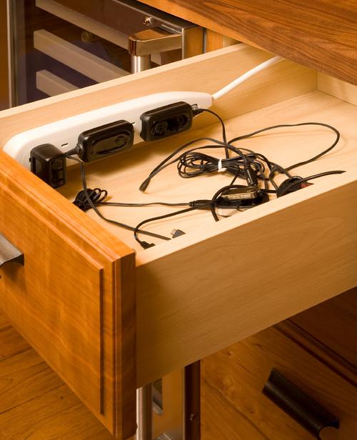 Relativ Kabel verstecken: Elektronik geschickt verschwinden lassen QV14