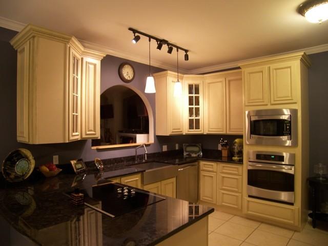 Stuart Brown Antique Granite Kitchen traditional-kitchen
