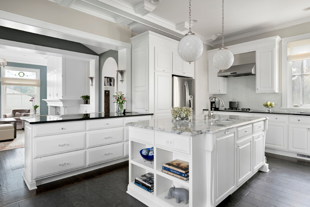 Suburban traditional traditional kitchen chicago for Building traditional kitchen cabinets by jim tolpin