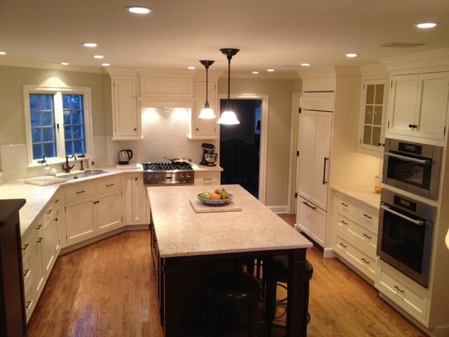 Summit Kitchen traditional-kitchen
