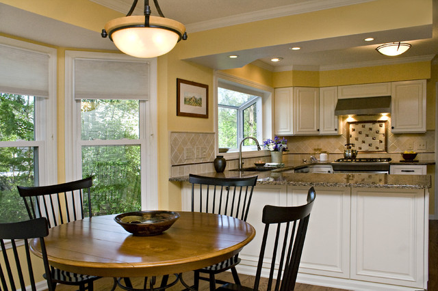 Sunny Tuscan Inspired Kitchen With Beautiful Bronze Accents Traditional Kitchen Raleigh