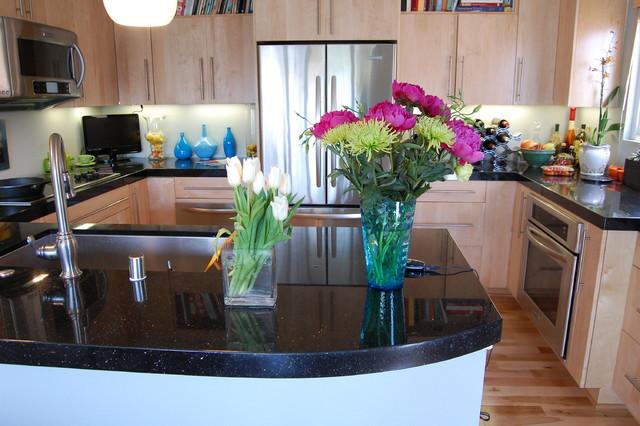 Sunset Beach Modern Kitchen midcentury-kitchen