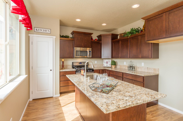 Sunset ranch for Cucina in stile ranch