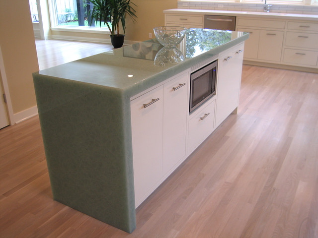 Super White PentalQuartz & Coral Blue Glass2 transitional-kitchen