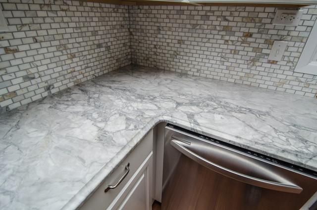 Super White Quartzite With Calcatta Gold Tile
