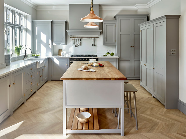 Surbiton Bespoke Light Grey Kitchen clasico-renovado-cocina