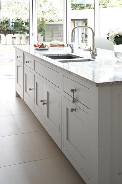 Surrey Bespoke Traditional Shaker Kitchen - Transitional - Kitchen - london - by Brayer Design