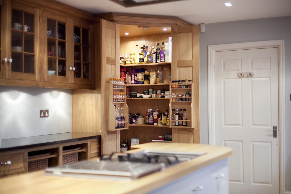 Elegant kitchen photo in London