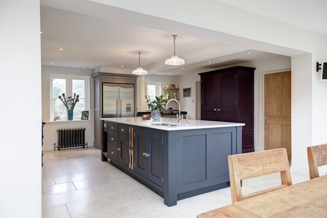 Surrey traditional kitchen hampshire by lewis for Kitchen cabinets surrey