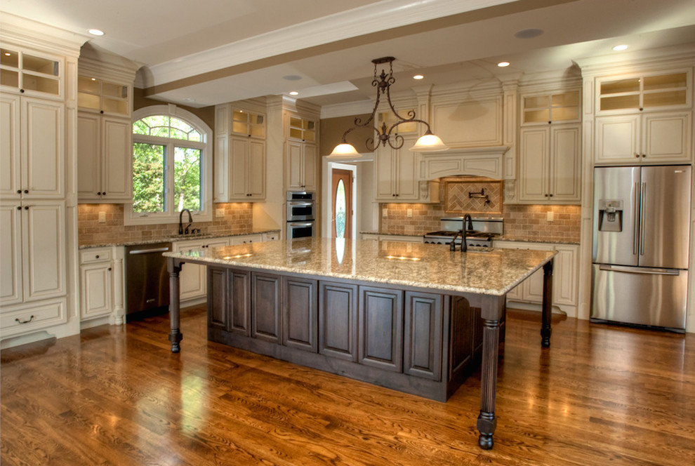 Sutherland - Traditional - Kitchen - Louisville - by Penny ...