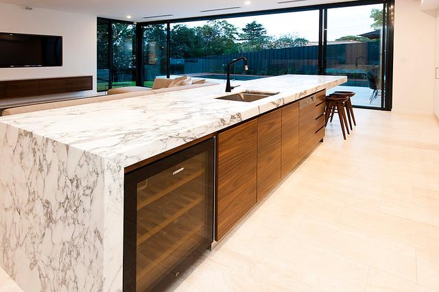 Swanbourne modern kitchen perth by centurion for Kitchen designs centurion