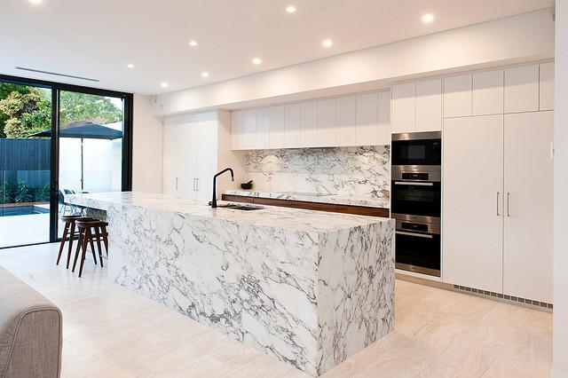 Swanbourne contemporary kitchen perth by centurion for Kitchen designs centurion