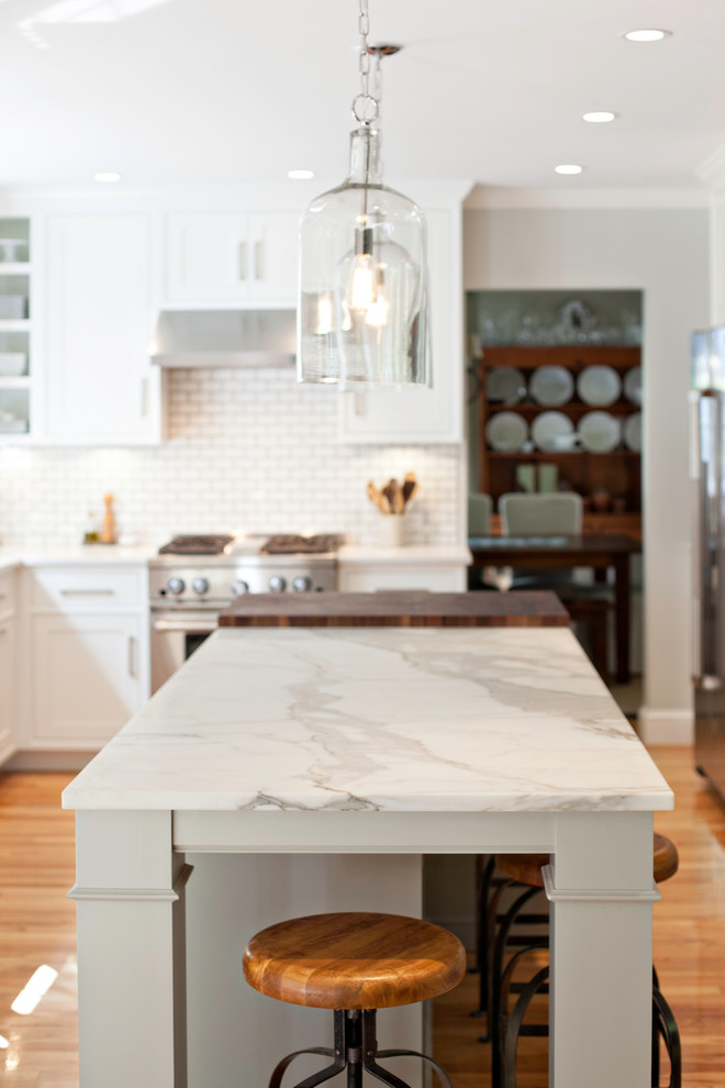 Example of a cottage kitchen design in Boston