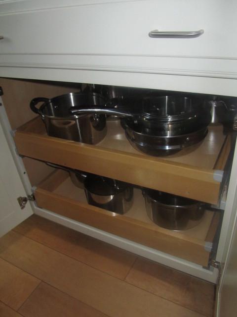 SWEET KITCHEN traditional-kitchen