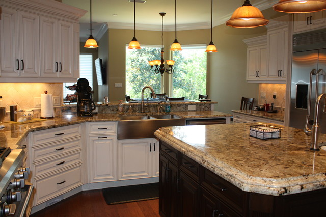 Swift Creek Dr. traditional-kitchen