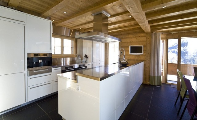 swiss alpine chalet moderne cuisine autres. Black Bedroom Furniture Sets. Home Design Ideas