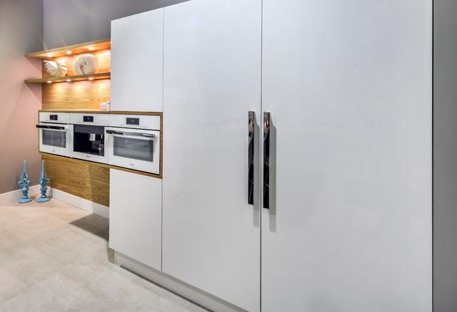 System collection pedini cabinets contemporary for Pedini cabinets