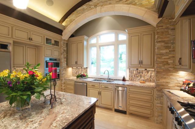 Talbot Lane - Kitchen traditional-kitchen