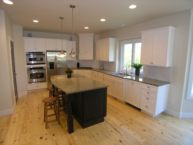 Tall Pines Ct traditional-kitchen