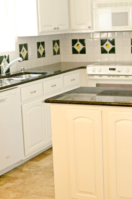 Tangelwood Kitchen traditional-kitchen