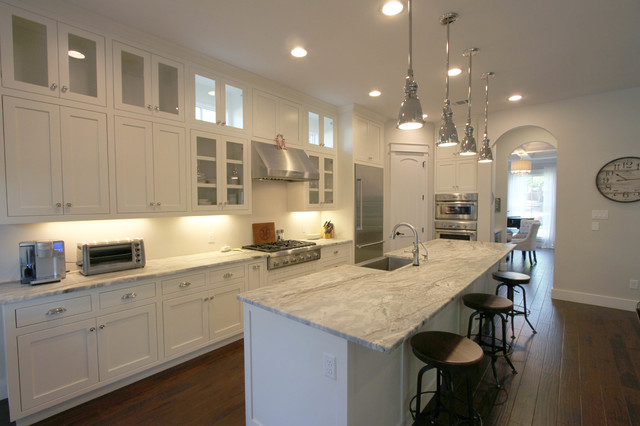 Tarrytown classic traditional kitchen austin by for Danze e davis architects