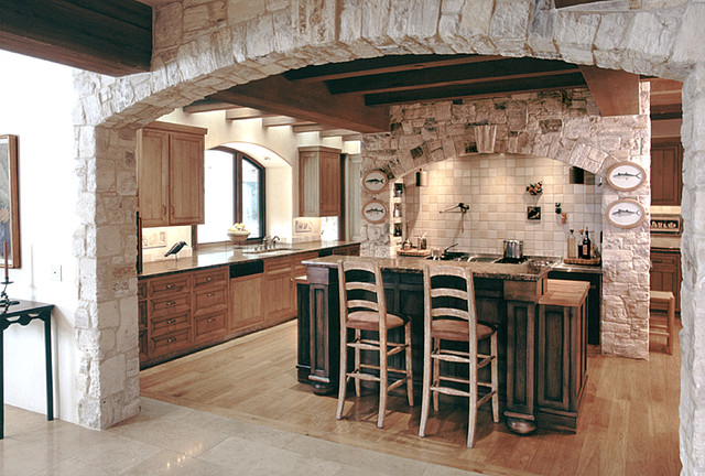 Taylor Lombardo Architects traditional kitchen
