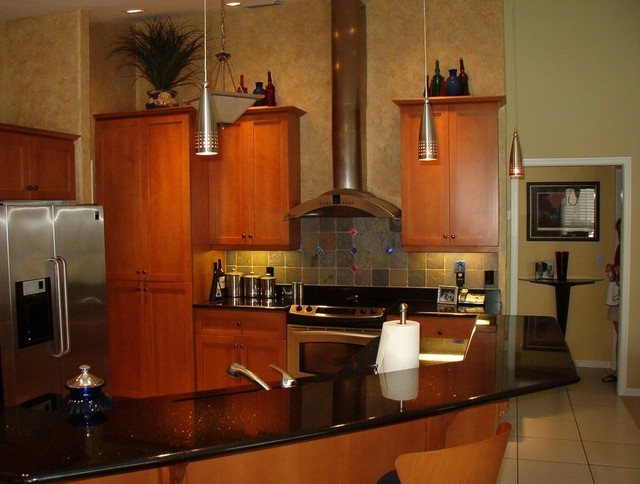 Teak circle gateway country club fort myers fl for Kitchen cabinets fort myers