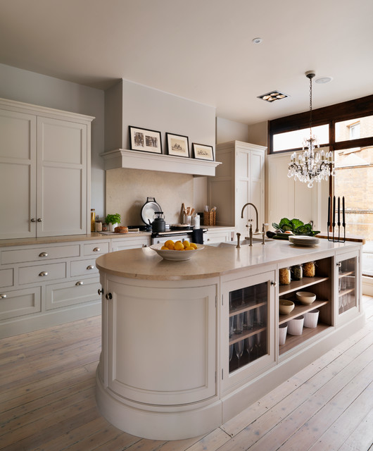 Teddy edwards goodwood for Traditional english kitchen