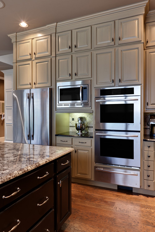 Are stainless steel appliances still popular in 2017 for Traditional kitchen appliances