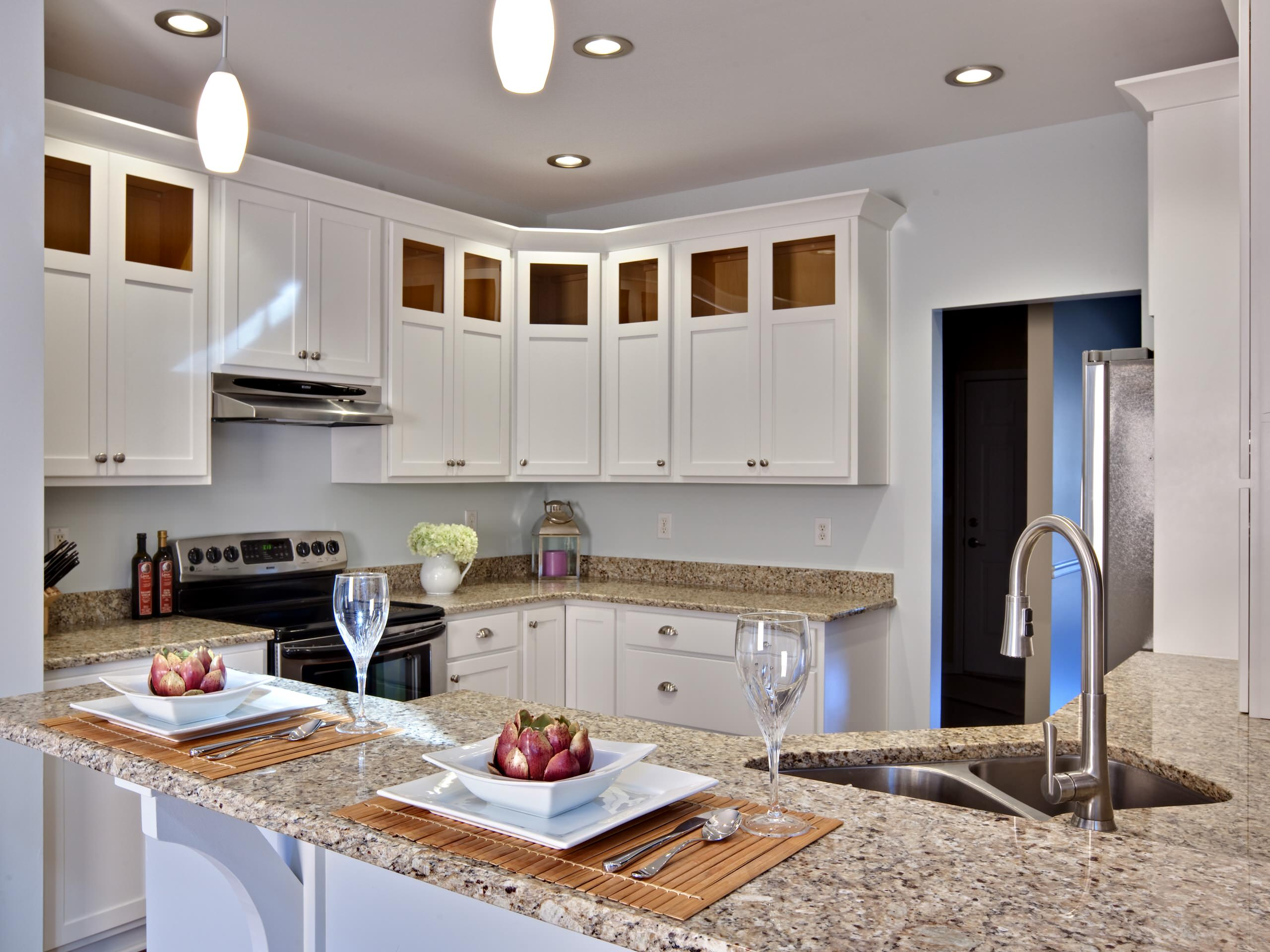 75 Beautiful Kitchen With White Cabinets And Granite Backsplash Pictures Ideas January 2021 Houzz