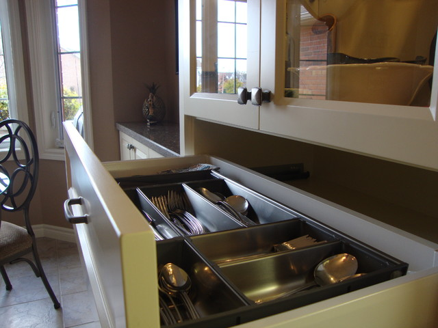 Terraview Crescent traditional-kitchen