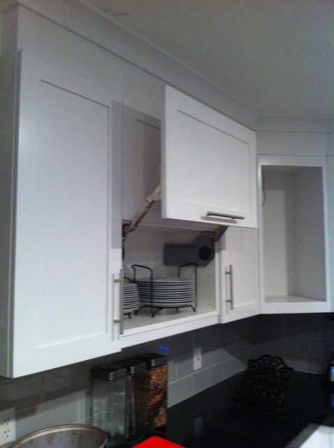 Terry contemporary-kitchen