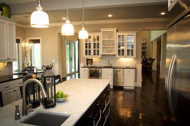 Texas Inspired traditional-kitchen
