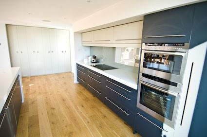 TH contemporary kitchen