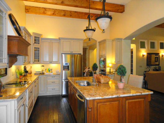 The birchwood plan 1239 traditional kitchen for Don gardner birchwood