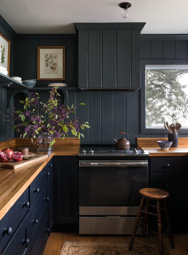 Example of a mountain style kitchen design in Seattle