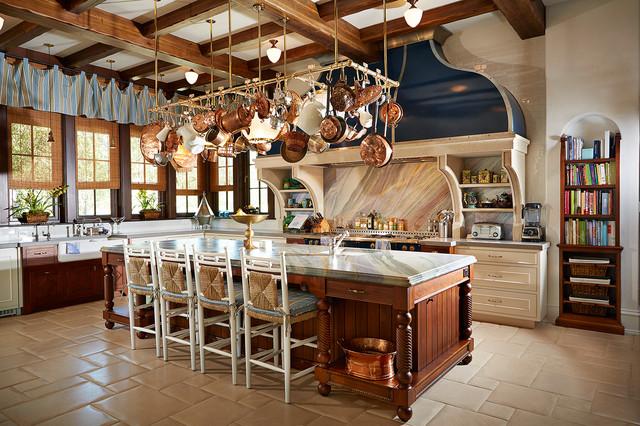 Large Elegant L Shaped Porcelain Floor And Beige Eat In Kitchen Photo