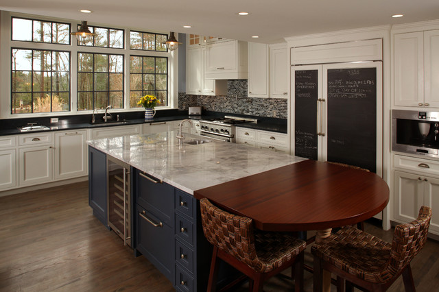 Example of an eclectic kitchen design in Boston