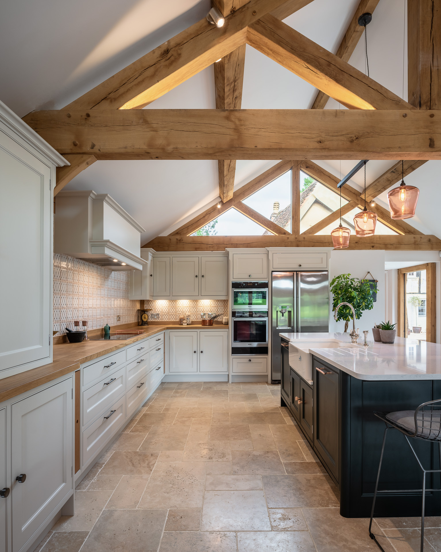 75 Beautiful Vaulted Ceiling Kitchen Pictures Ideas April 2021 Houzz