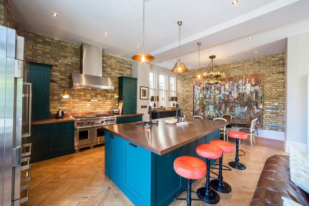 Example of an eclectic kitchen design in London