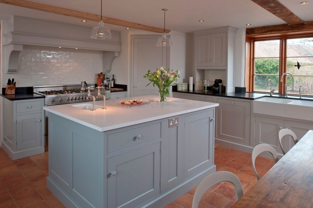 The english country kitchen rustic kitchen kent by for Kitchen quarry tile