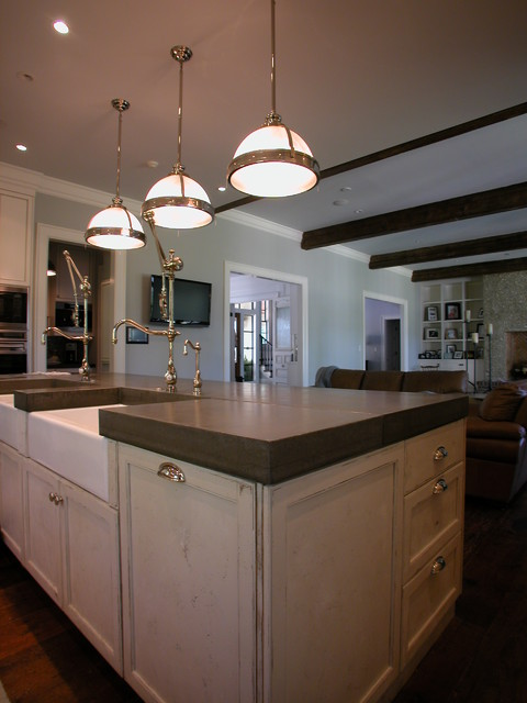 The Farlow Group traditional-kitchen