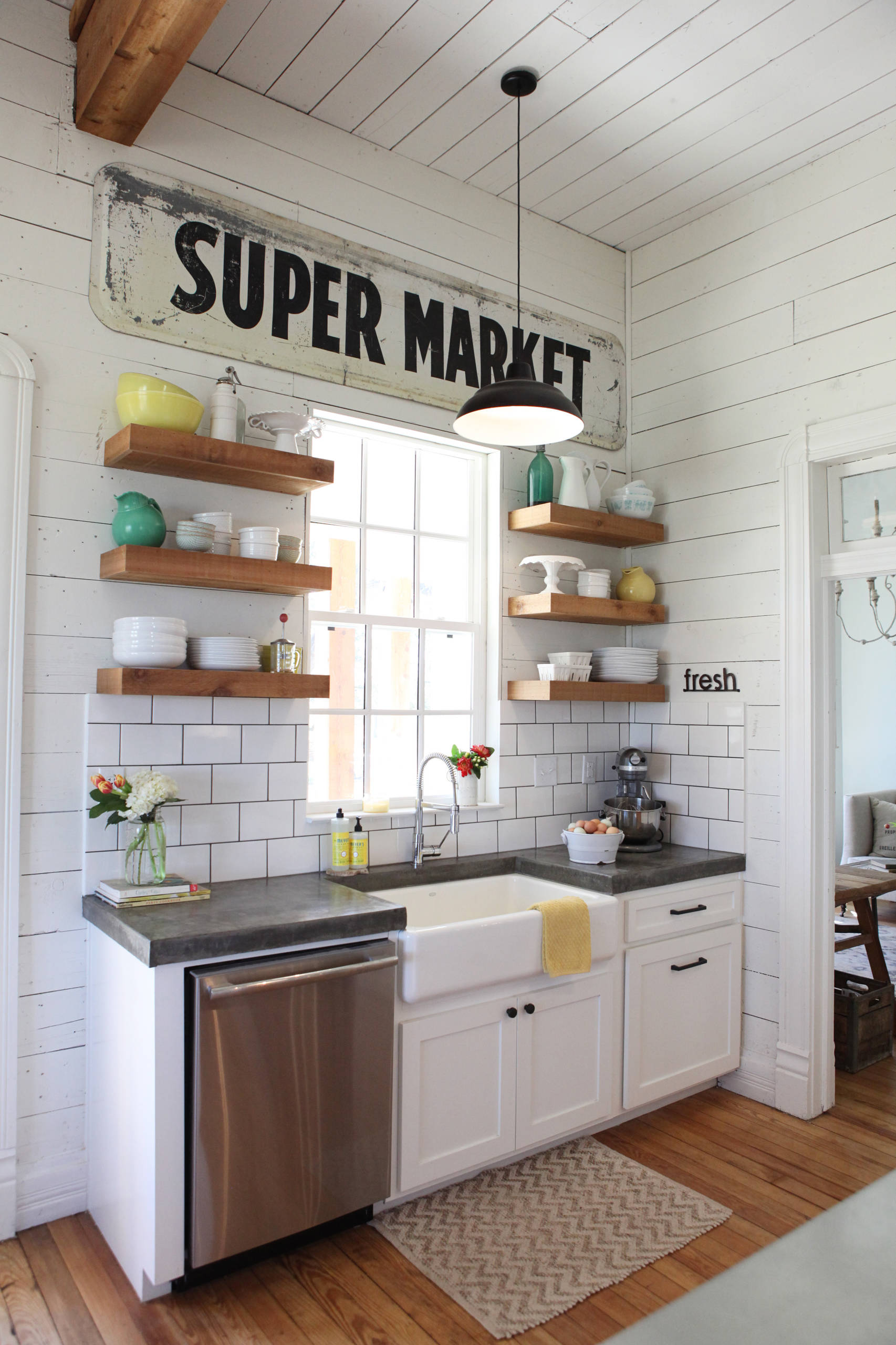 75 Beautiful Kitchen With Open Cabinets And Concrete Countertops Pictures Ideas January 2021 Houzz