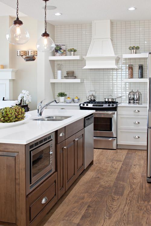 kitchen island/Range Wall
