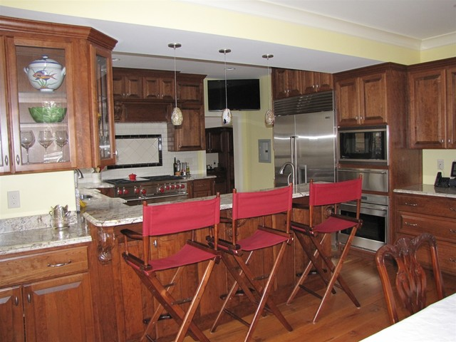 The Ideal Entertaining Kitchen traditional-kitchen